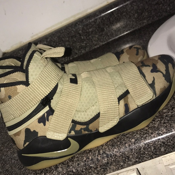 lebron soldiers 11 camo